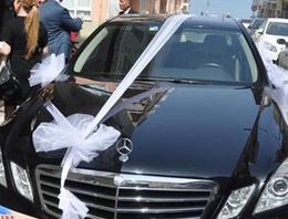 Makam aracı düğün arabası oldu!