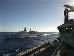 Kayıp uçak için denizaltılar devrede