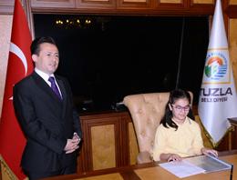 23 Nisan Ulusal Egemenlik ve Çocuk Bayramı Tuzla'da Coşkuyla Kutlandı