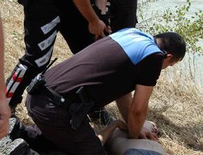 Kalbi duran genci polis hayata döndürdü