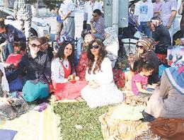 Polis aileleri Emniyet önüne kamp kurdu