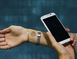 Telefonunuzun kilidini dövme ile açın