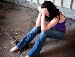 Liseli kıza iğrenç tecavüz zinciri! 16'sı birden...