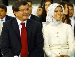 Sare Davutoğlu ilk sınavını geçti