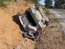 İkizleri trafik kazası ayırdı!