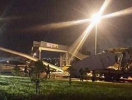 İstanbul'da üst geçide kamyon çarptı