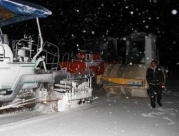 Kar Doğubeyazıt'ta hayatı felç etti!