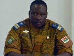 Burkina Faso: Ordudan yönetimi devretme sözü