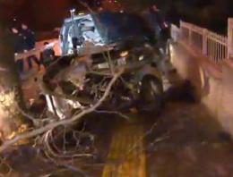 Ankara'daki kazada otomobil ikiye bölündü