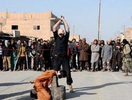IŞİD sokak ortasında infaz etti