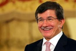 Ahmet Davutoğlu Aziz Sancar'ı aradı