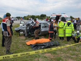 Cenazeye giderken feci kaza: 3 ölü