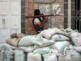 Yemen'de 1200 dolayında mahkum kaçtı