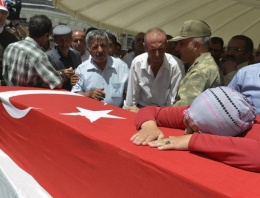 Vanlı şehidin cenazesinde Kürtçe ağıt