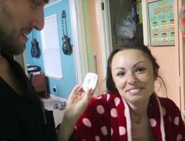 Sifonu çekmeyince hamile olduğu ortaya çıktı!