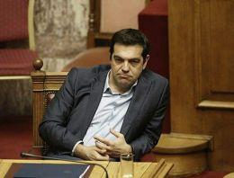 Syriza'da Tsipras'a karşı isyan büyüyor