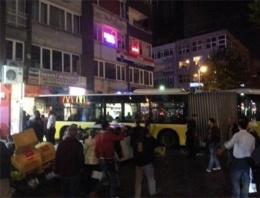 Mecidiyeköy'de otobüs mağazaya daldı!