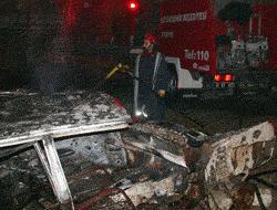 Adanada 5 araç kundaklandı