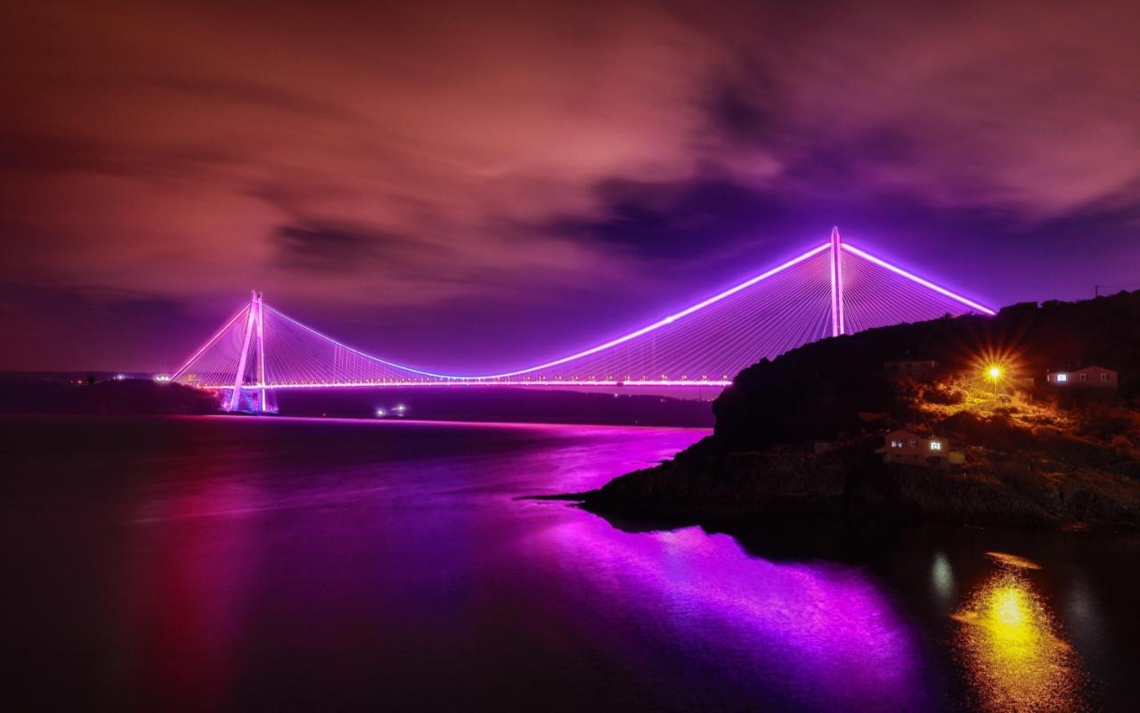 İstanbul'daki köprüler Epilepsi Günü için mora büründü