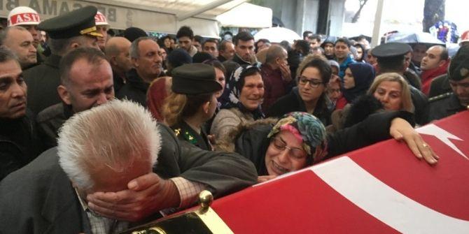 Şehit Pilot Yüzbaşı Özerli, İzmir'de gözyaşlarıyla uğurlandı - Sayfa 8
