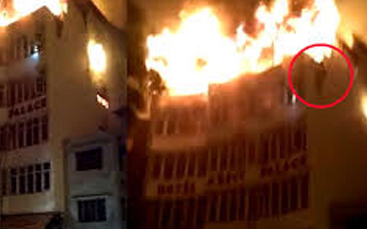 Hindistan'da otelde yangın: Ölü ve yaralılar var