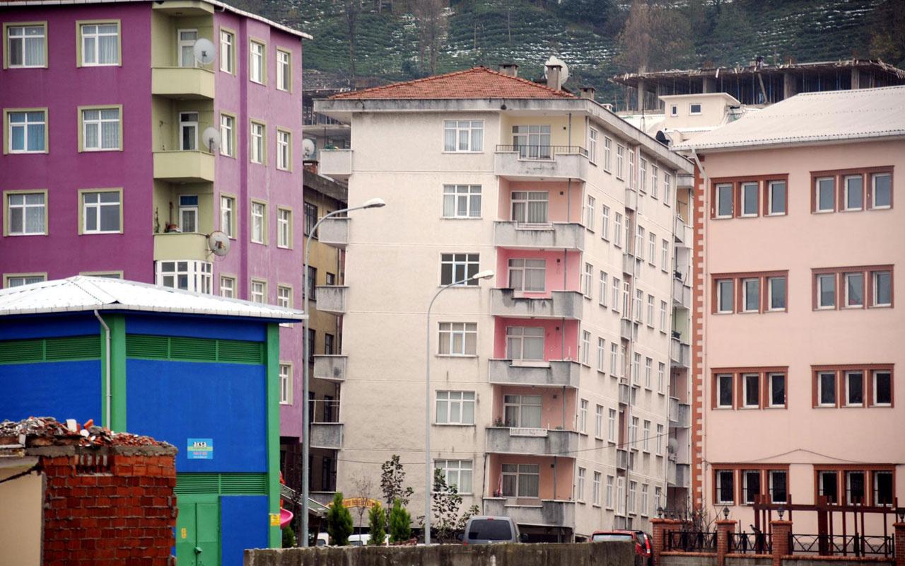 Rize'de binalar yan yattı korkutan görüntü