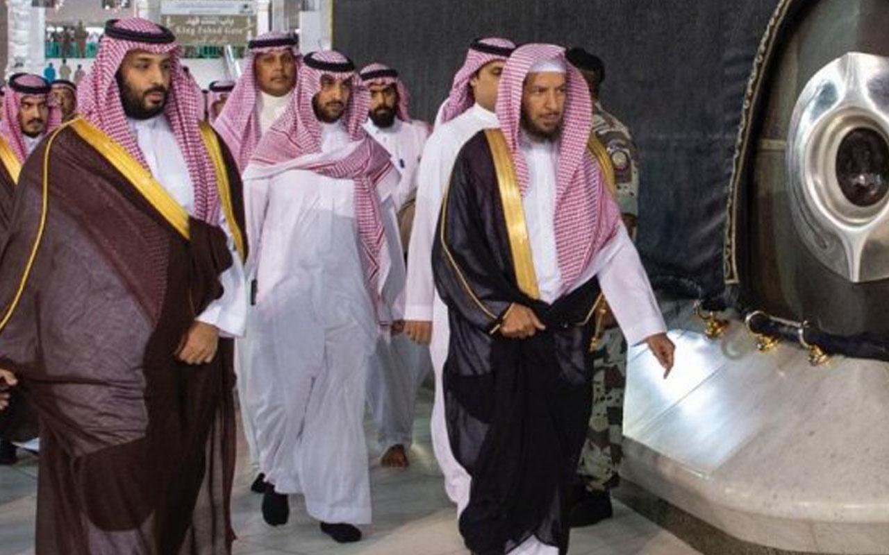 Muhammed bin Selman Kâbe'nin tepesine çıktı