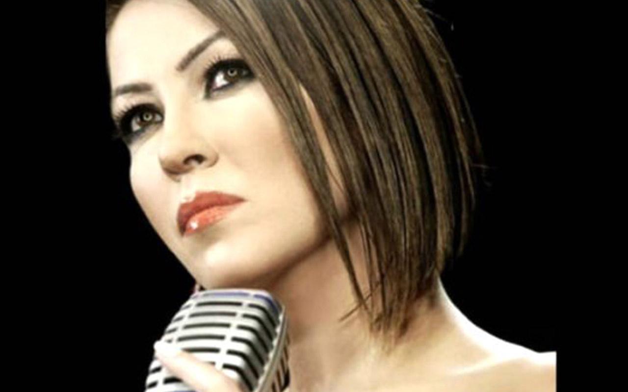 """Devrim Erden'in """"Tanrım"""" şarkısı yeniden gündemde"""