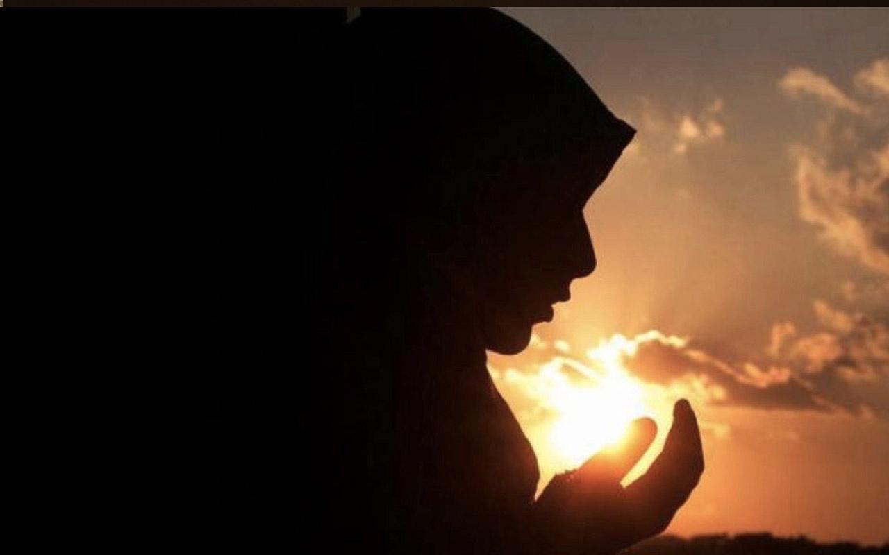 Adet olan kadın cuma günü hangi duaları okur-cuma zikirleri