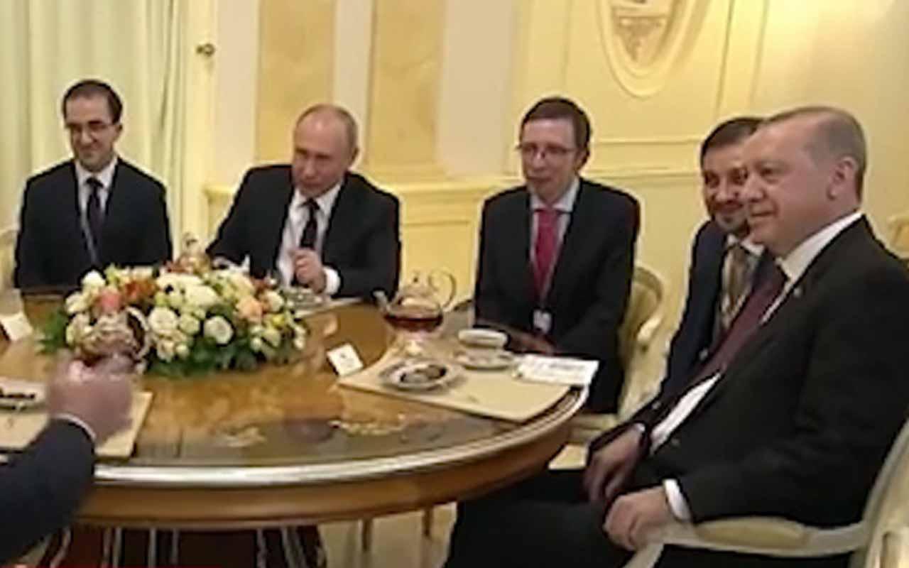 Soçi'de liderlerin çay sohbeti
