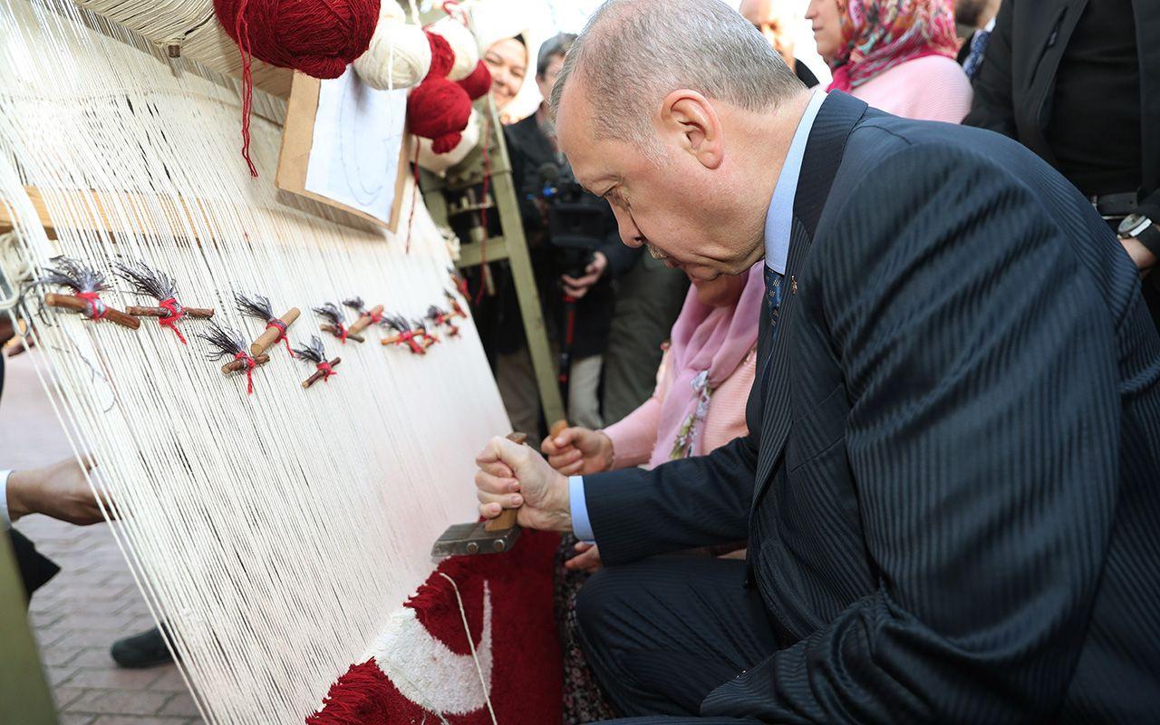 Cumhurbaşkanı Erdoğan Türk bayraklı halıya ilmek attı