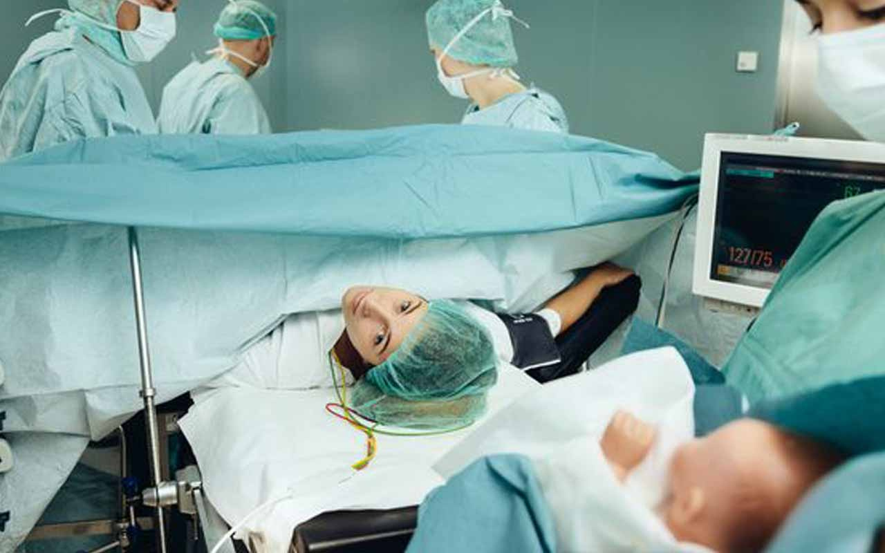 Hamile olduğunu doğuma sancısı çekerken öğrendi! 'Ben bakireyim' dedi