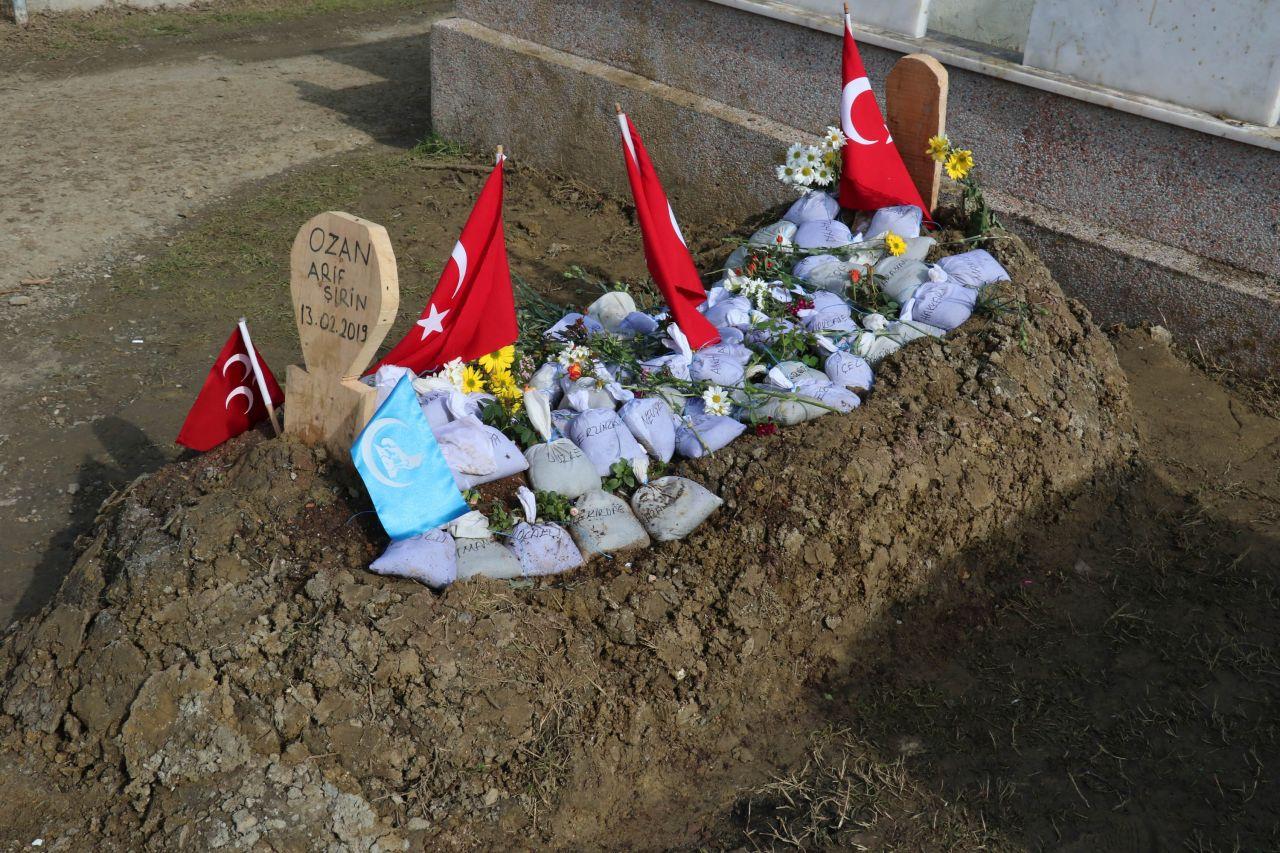 Ozan Arif'in mezarına bakın ne bıraktılar! - Sayfa 2