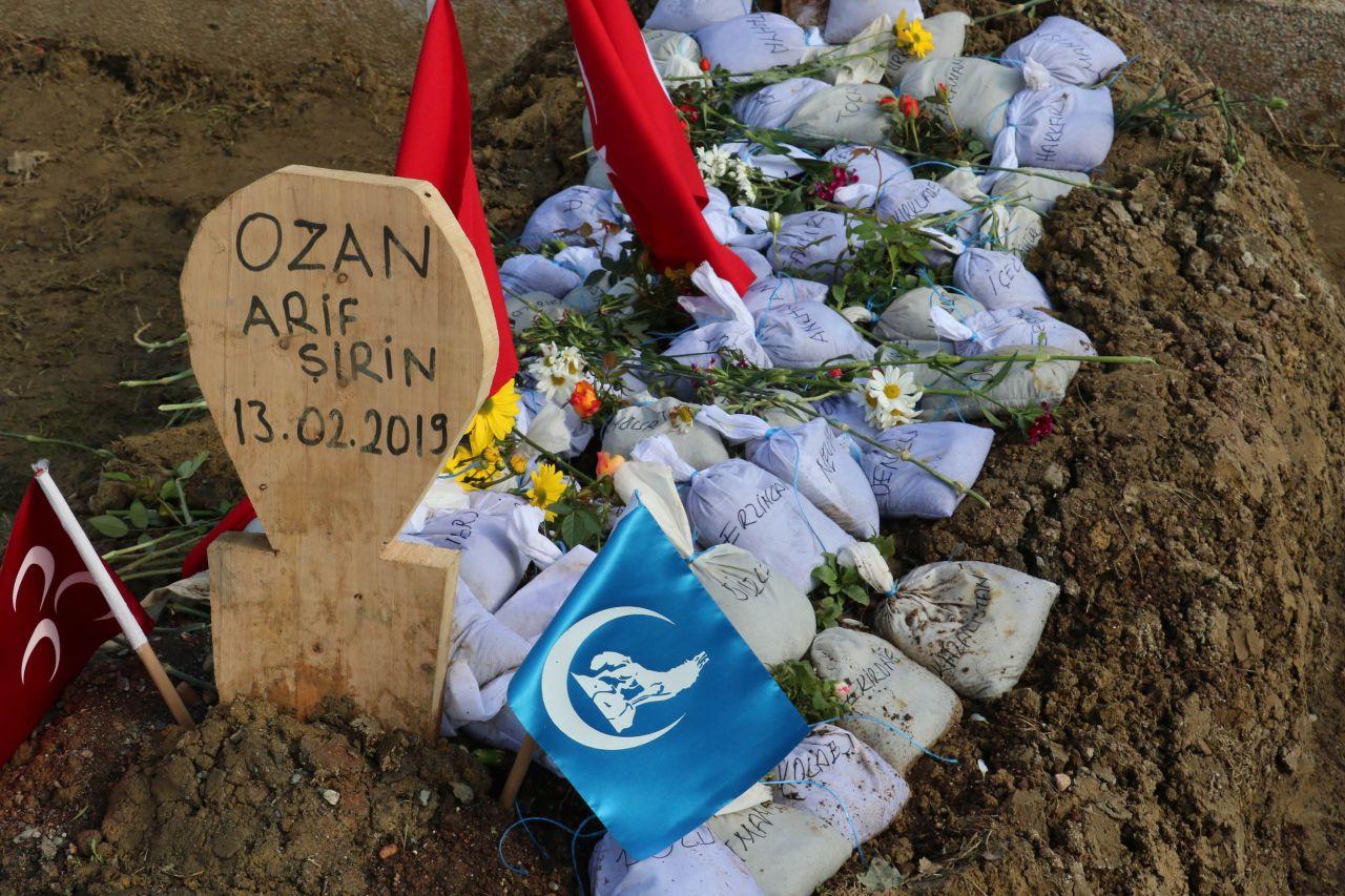 Ozan Arif'in mezarına bakın ne bıraktılar! - Sayfa 5