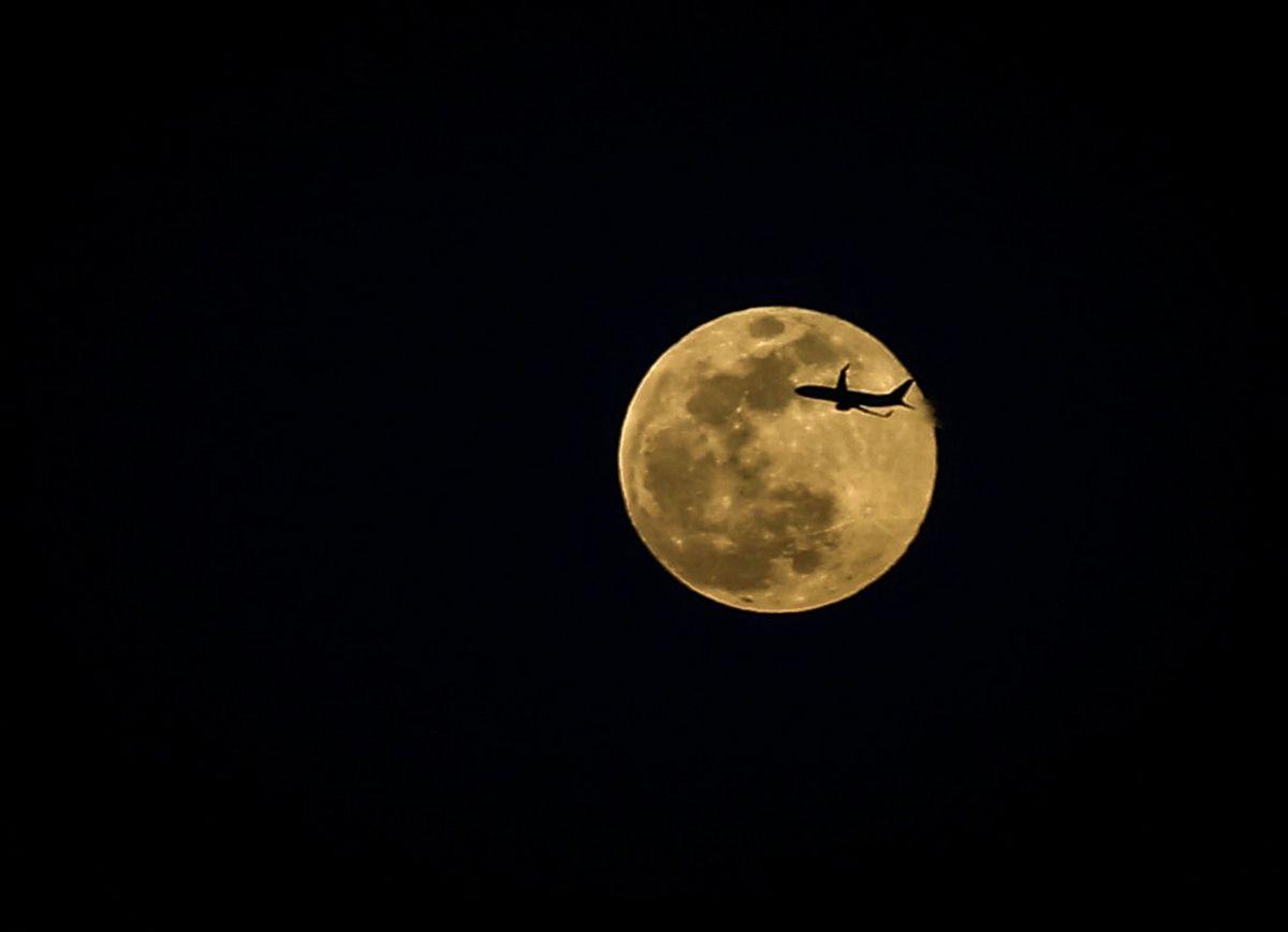 Süper Ay mest etti dolunayın burçlara etkileri şahane Hande Kazanova anlattı