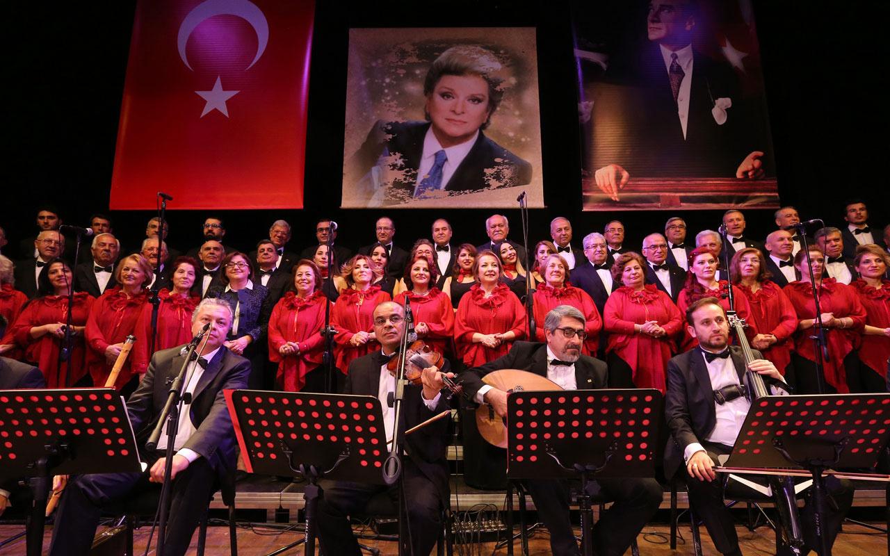 """Fatma Şahin """"Şimdi Uzaklardasın"""" şarkısını seslendirdi"""