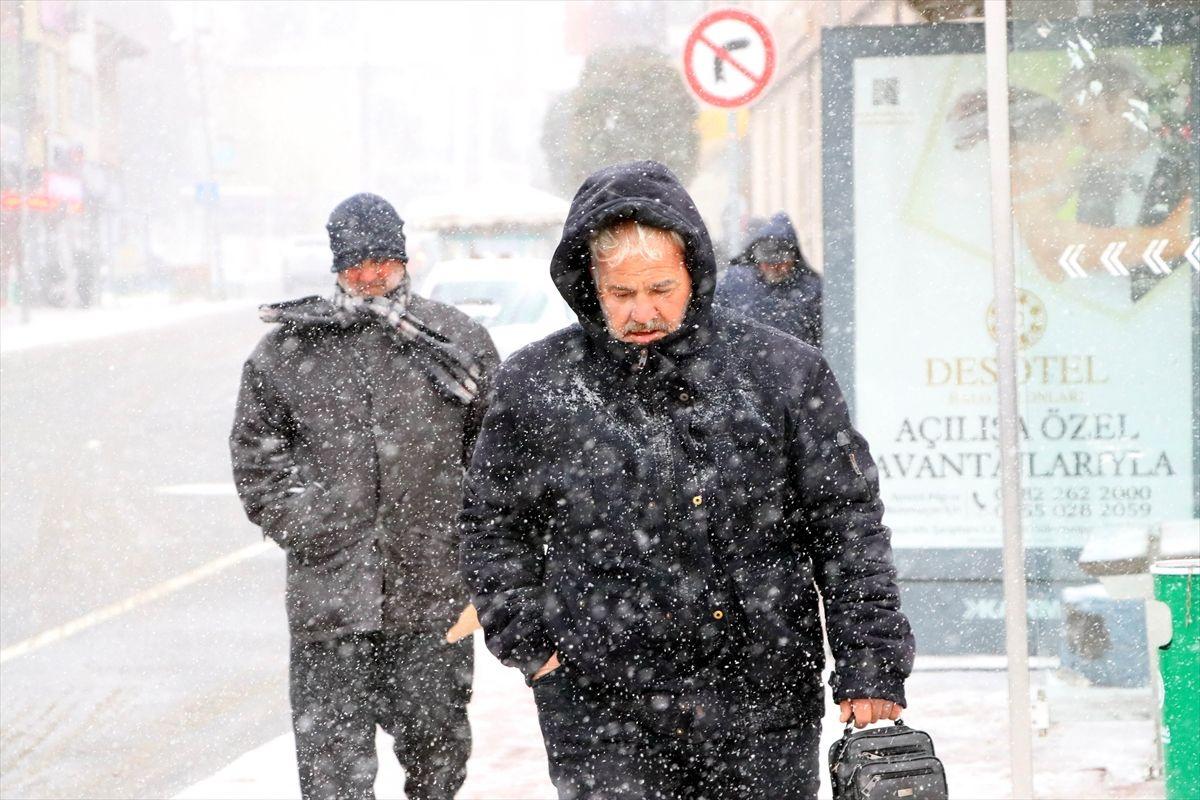 İstanbul'da kar yağışı devam edecek mi İstanbul Valisi Ali Yerlikaya açıkladı - Sayfa 2