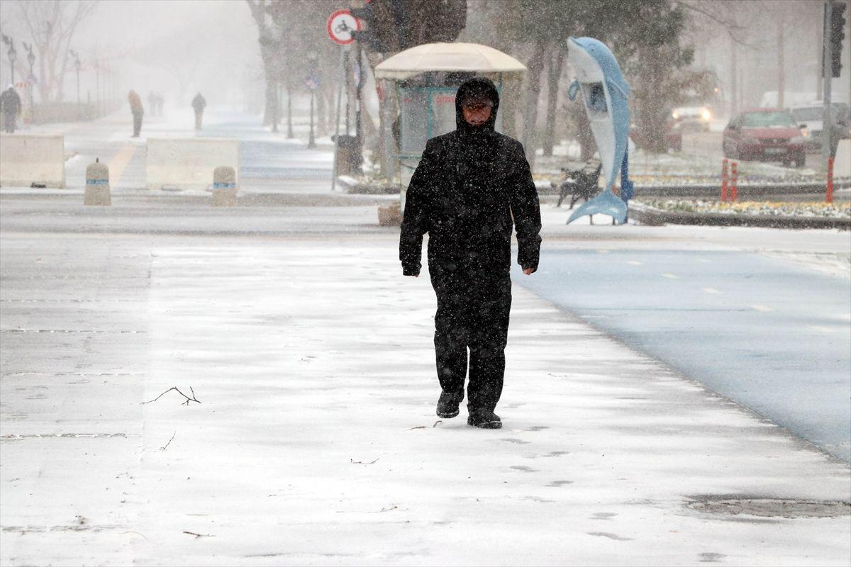 İstanbul'da kar yağışı devam edecek mi İstanbul Valisi Ali Yerlikaya açıkladı - Sayfa 3
