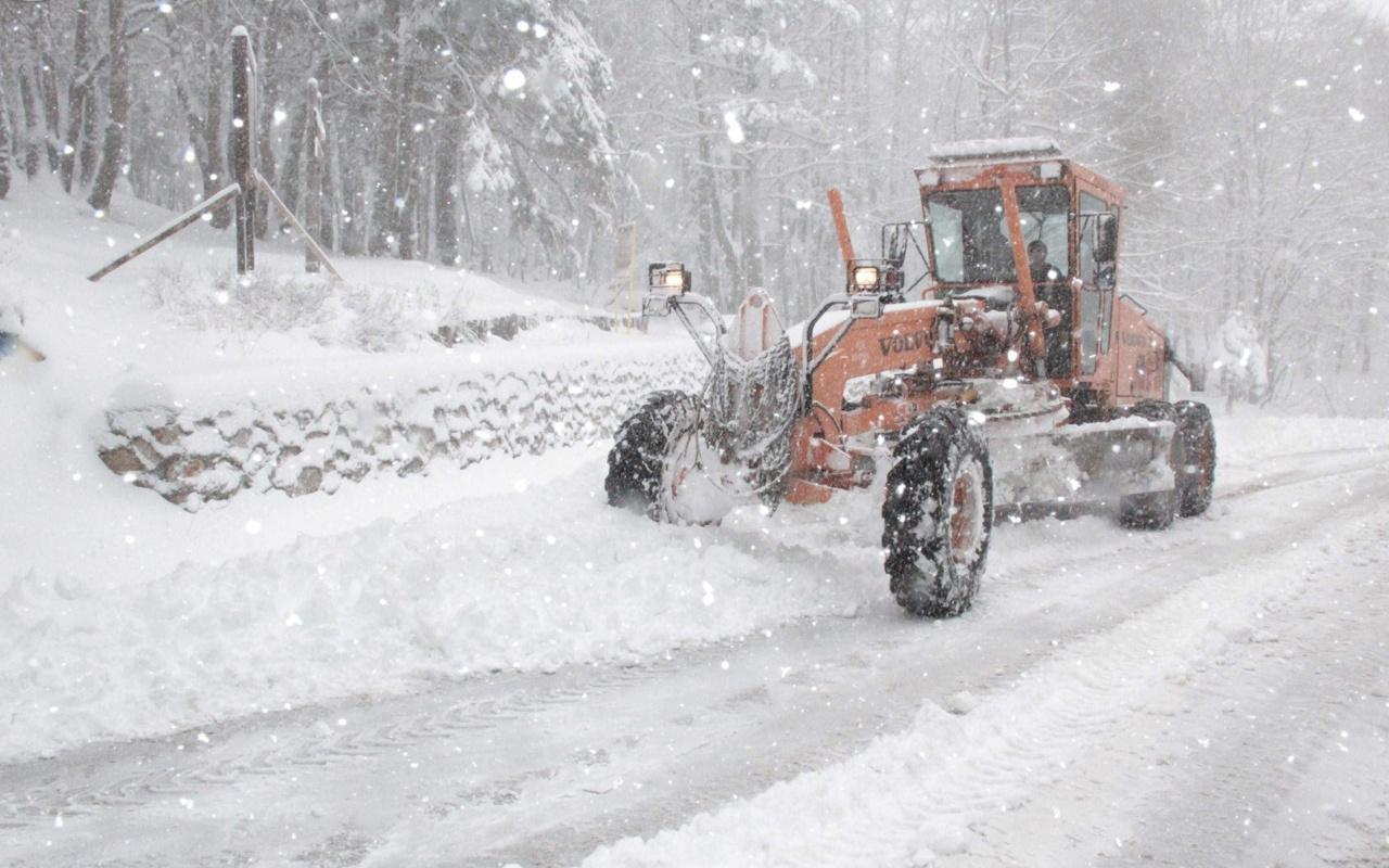 Afyon kar bastırdı yeni saatlik hava durumu geldi