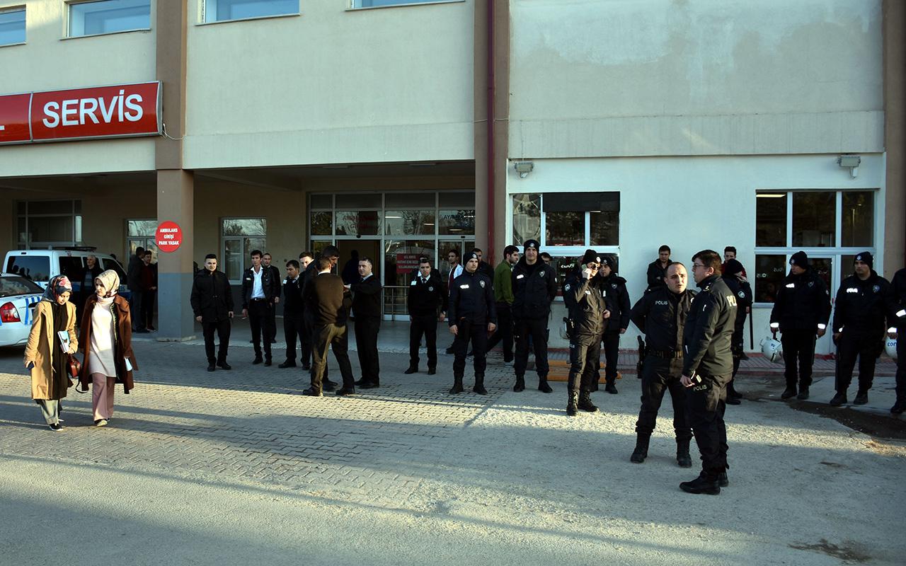 Sivas'ta hastaneyi savaş alanına çevirdiler!