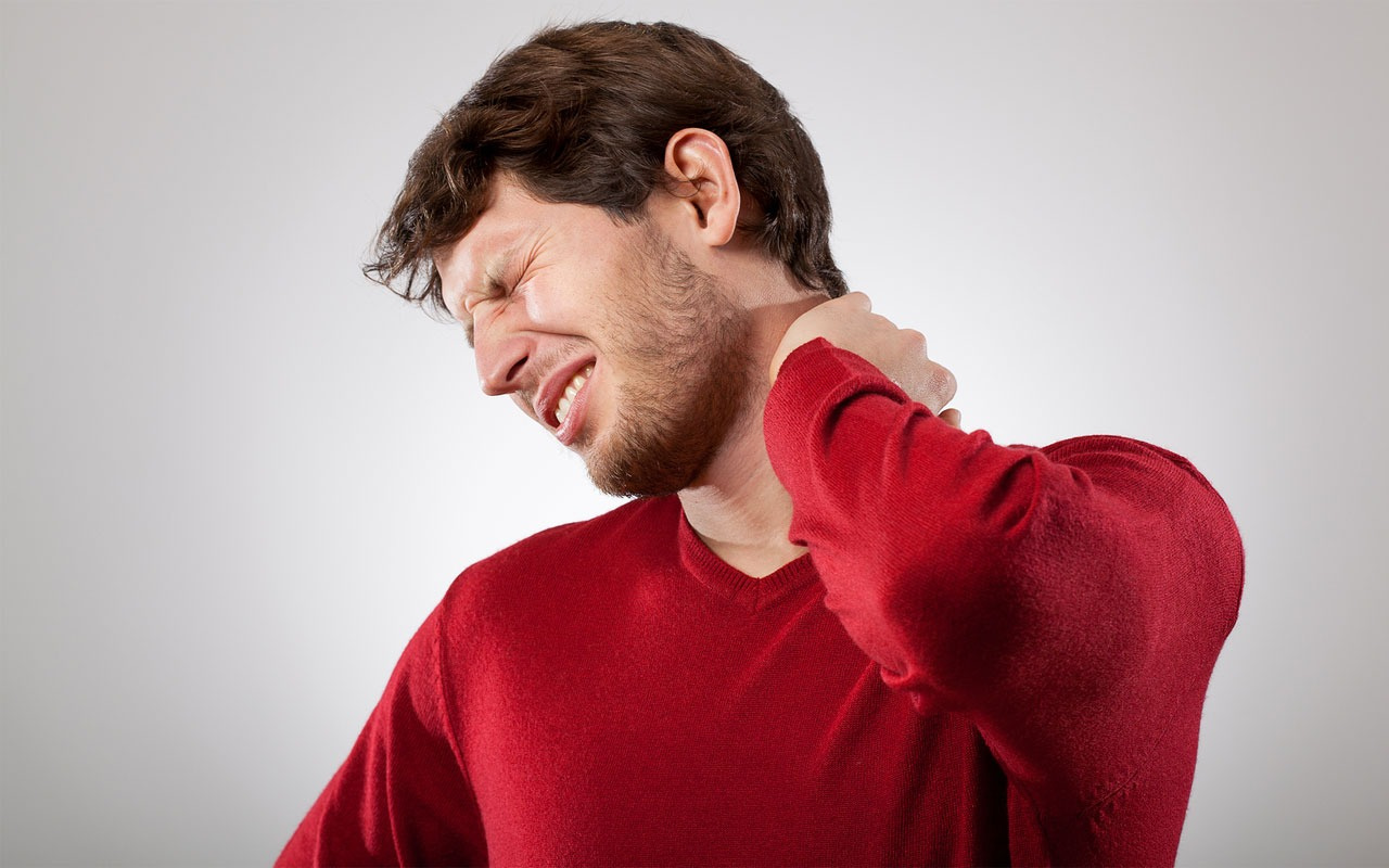 Boyun ağrısının sebebi nedir? Boyun düzleşmesi ve boyun fıtığında...