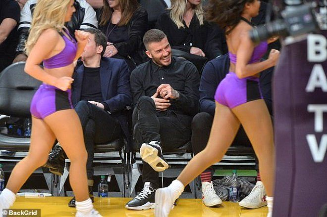David Beckham, amigo kızlardan gözlerini alamadı - Sayfa 4