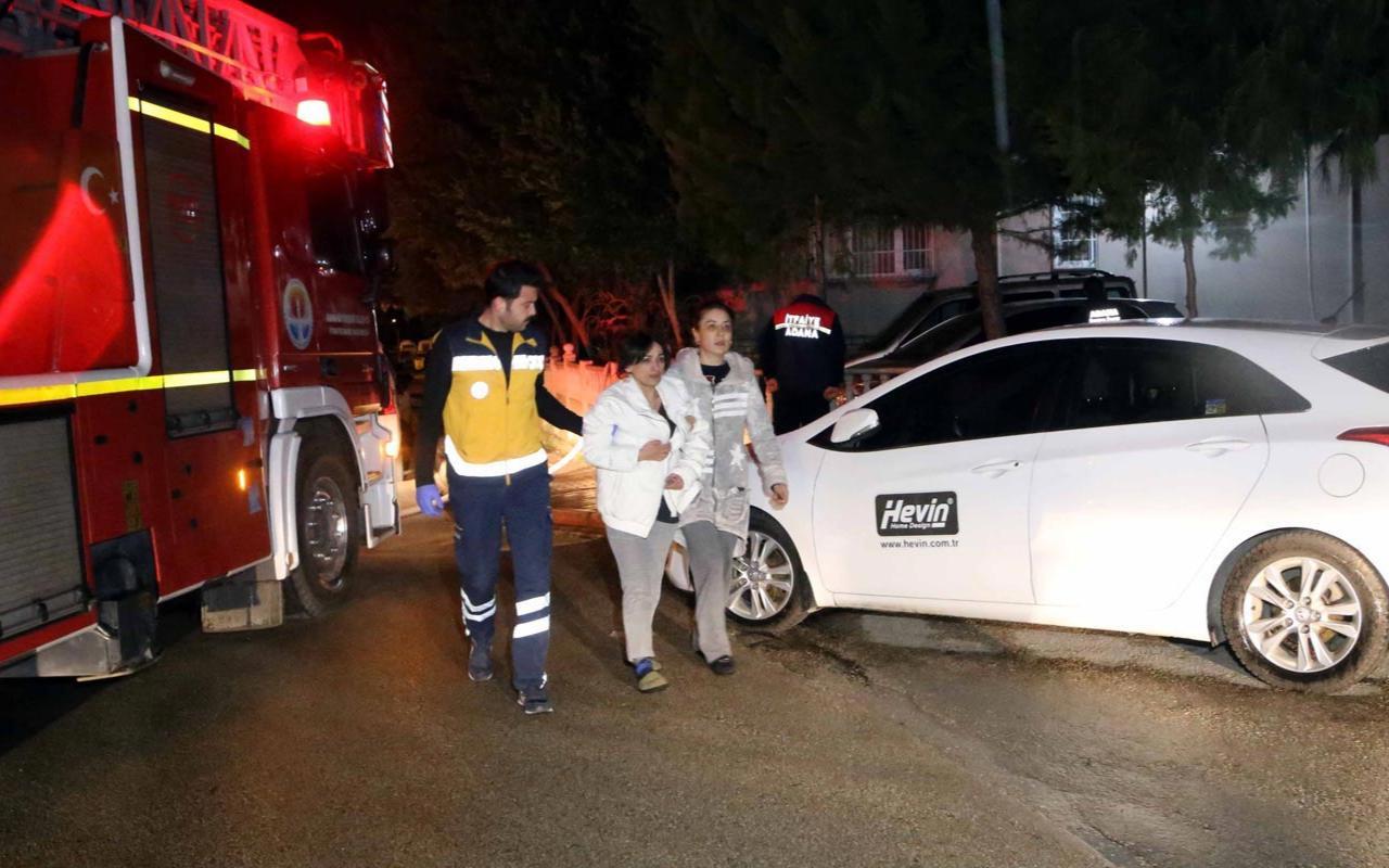 Adana'da kedi ev sahibini yangından kurtardı