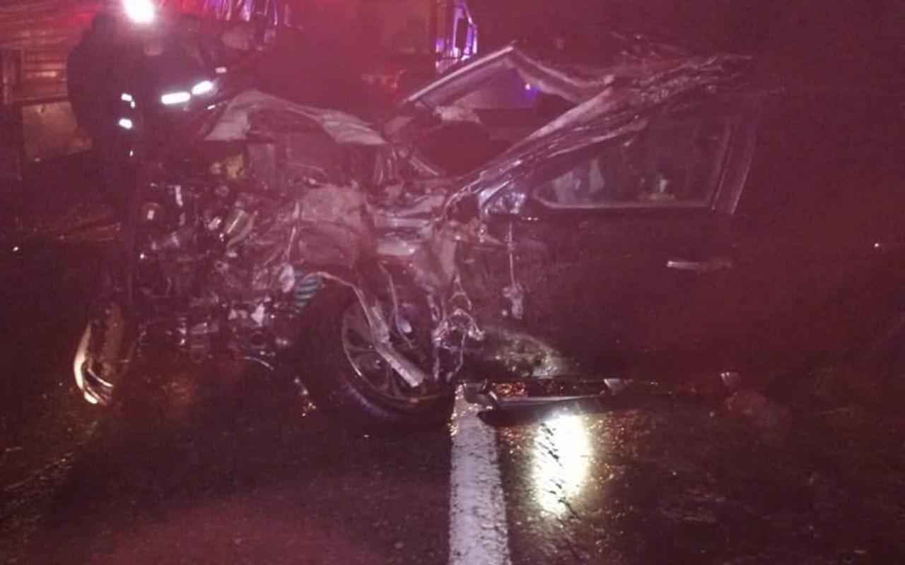 Artvin'de korkutan kaza! Erdoğan'a eşlik eden PÖH minibüsüne TIR çarptı
