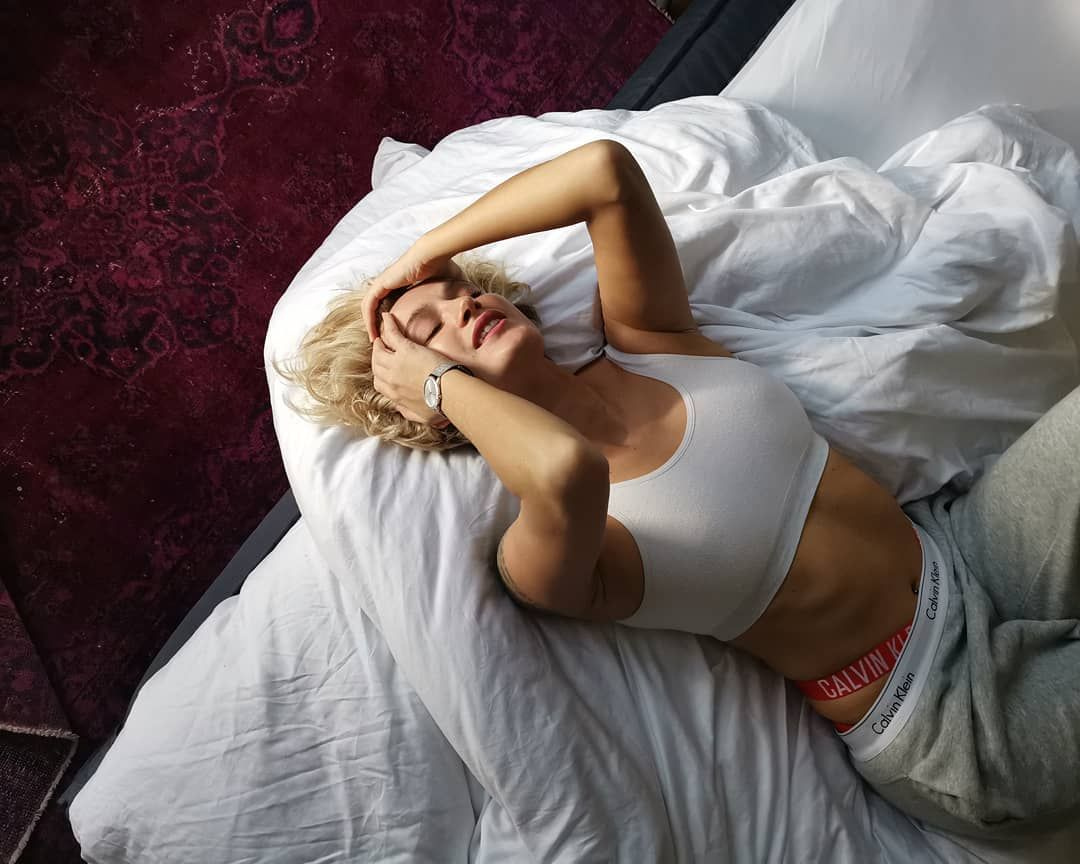 Seksi model Didem Soydan'ın gece gezmesi 'Tuvaleti' olay oldu - Sayfa 7