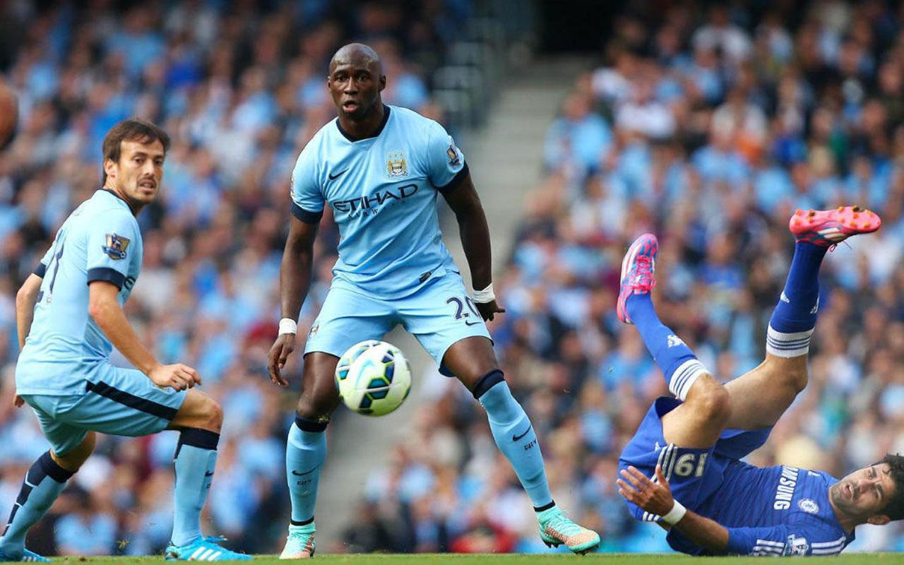 Mangala, Manchester City ile 1 yıl daha birlikte