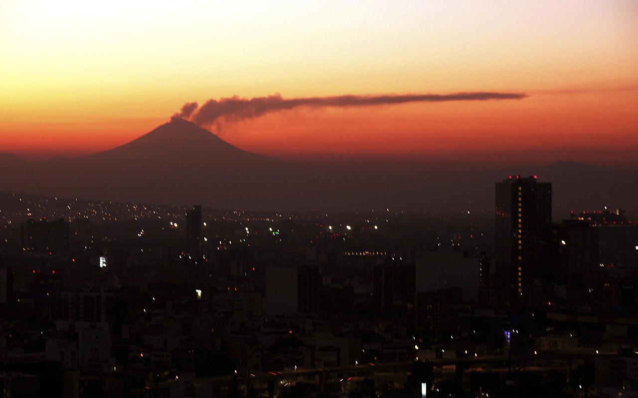 Meksika'nın Popocatepetl Volkanı'nda korkutan hareketlenme