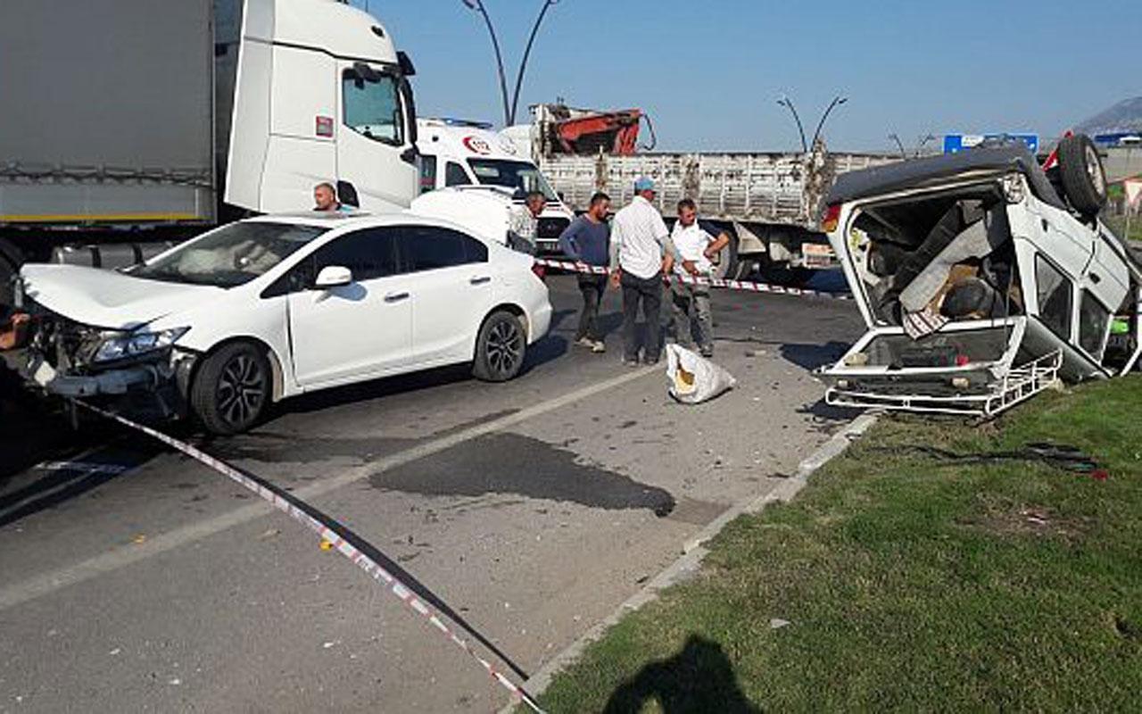 Manisa'da yolcu otobüsü TIR'a arkadan çarptı 2'si ağır 20 yaralı