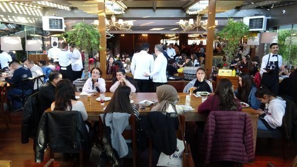 Nusret'ten kadınlara büyük jest: Yemekler ücretsiz