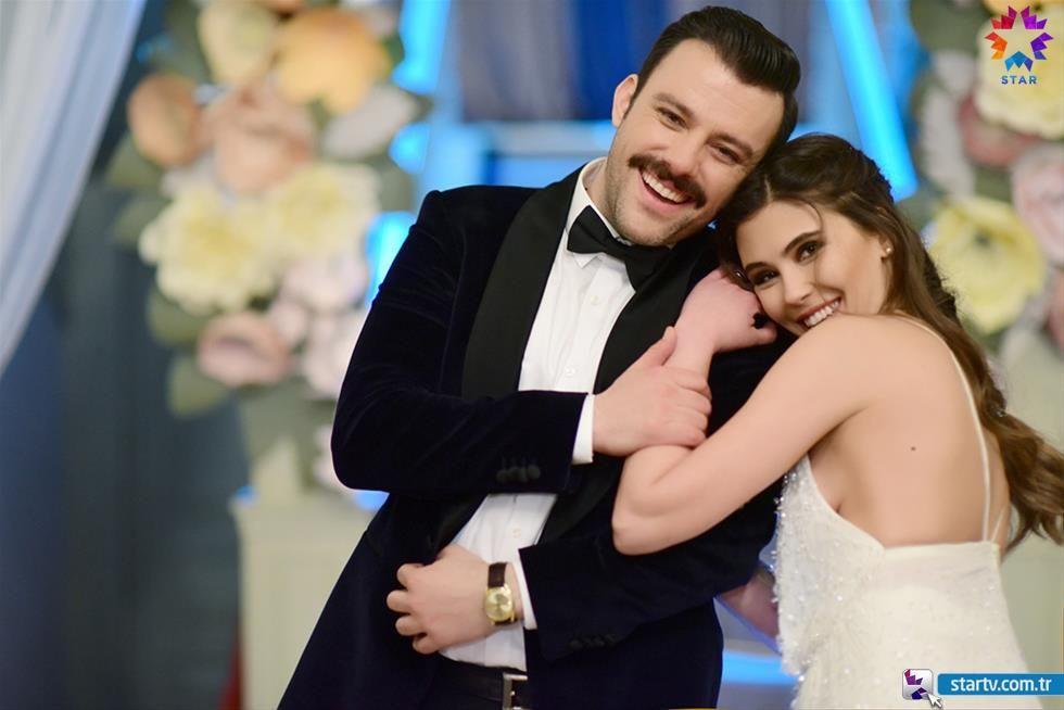 İstanbullu Gelin'de zıvanadan çıkaran bornozlu öpüşme! - Sayfa 13
